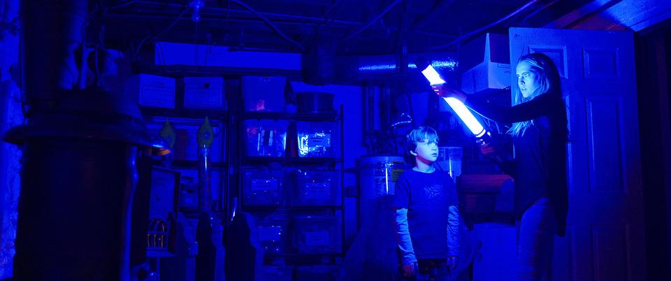 кадры из фильма И гаснет свет… Тереза Палмер,
