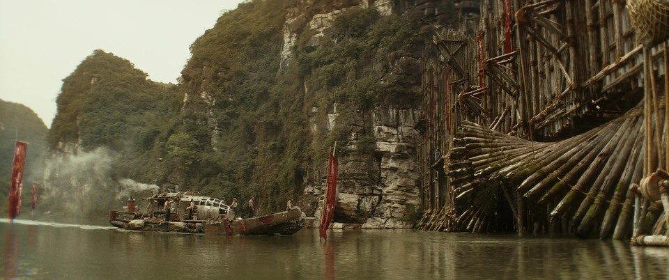 кадры из фильма Конг: Остров Черепа