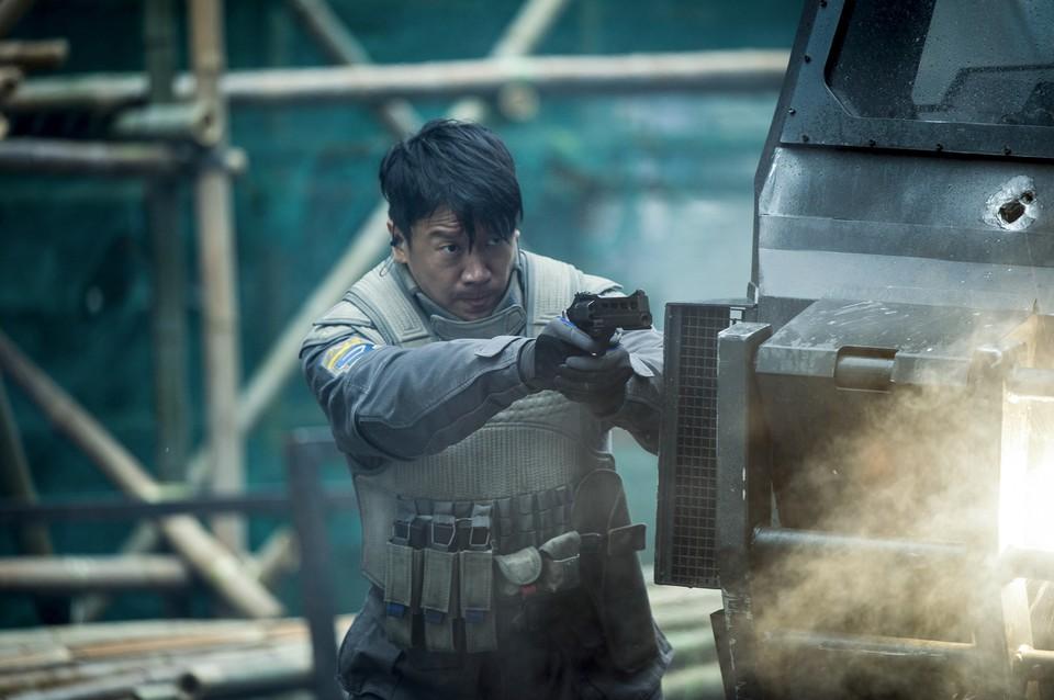 кадры из фильма Призрак в доспехах Чин Хань,