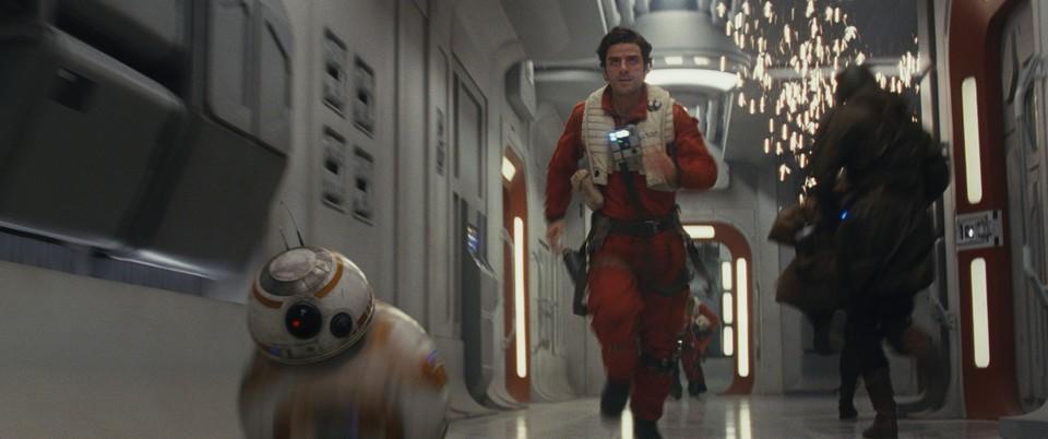 кадры из фильма Звёздные Войны: Последние джедаи Оскар Айзек,