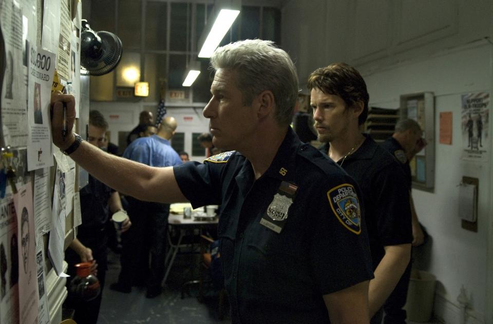 кадры из фильма Бруклинские полицейские Ричард Гир, Итан Хоук,
