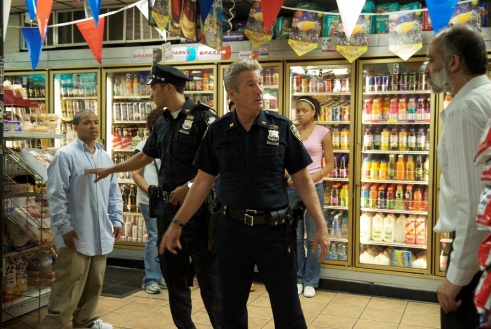 кадры из фильма Бруклинские полицейские Ричард Гир,