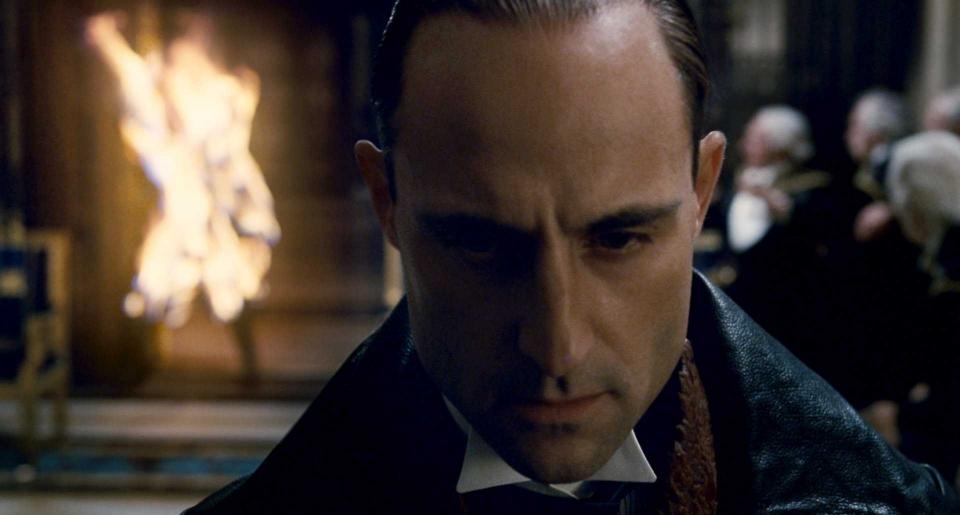 кадры из фильма Шерлок Холмс Марк Стронг,