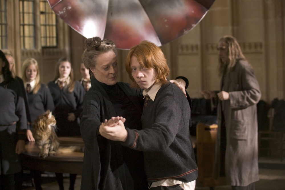 кадры из фильма Гарри Поттер и Кубок Огня Мэгги Смит, Руперт Гринт,