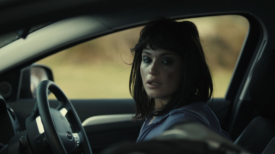 кадры из фильма Исчезновение Элис Крид Джемма Артертон,