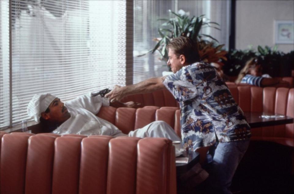 кадры из фильма Криминальное чтиво Тим Рот,