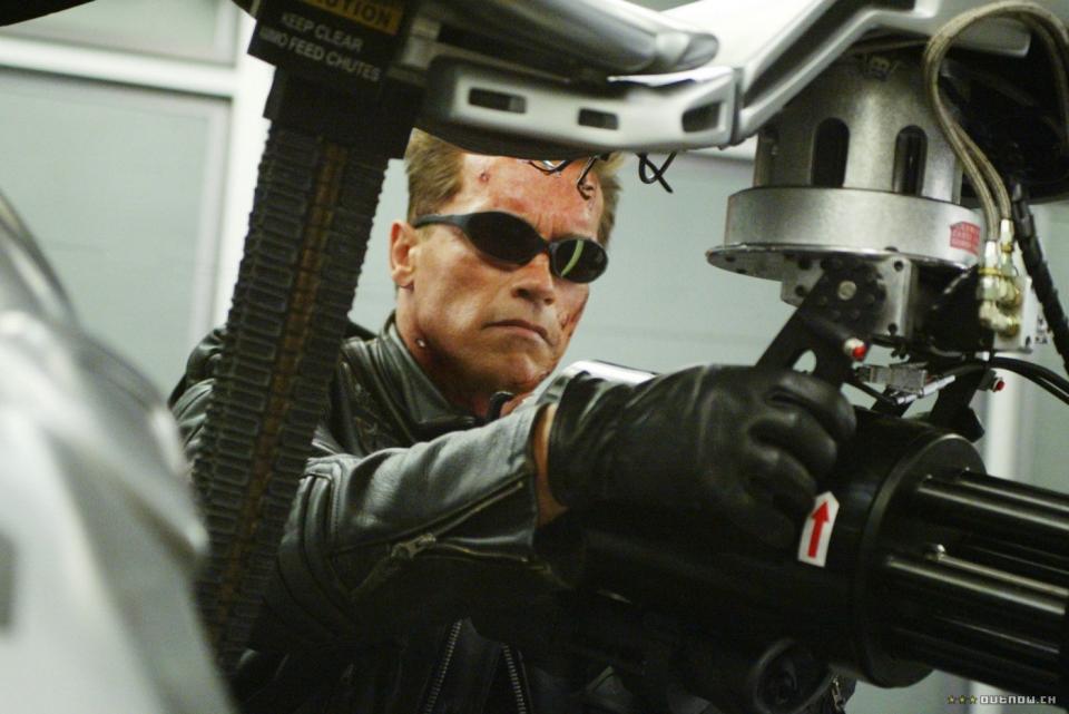 кадры из фильма Терминатор 3: Восстание машин Арнольд Шварценеггер,