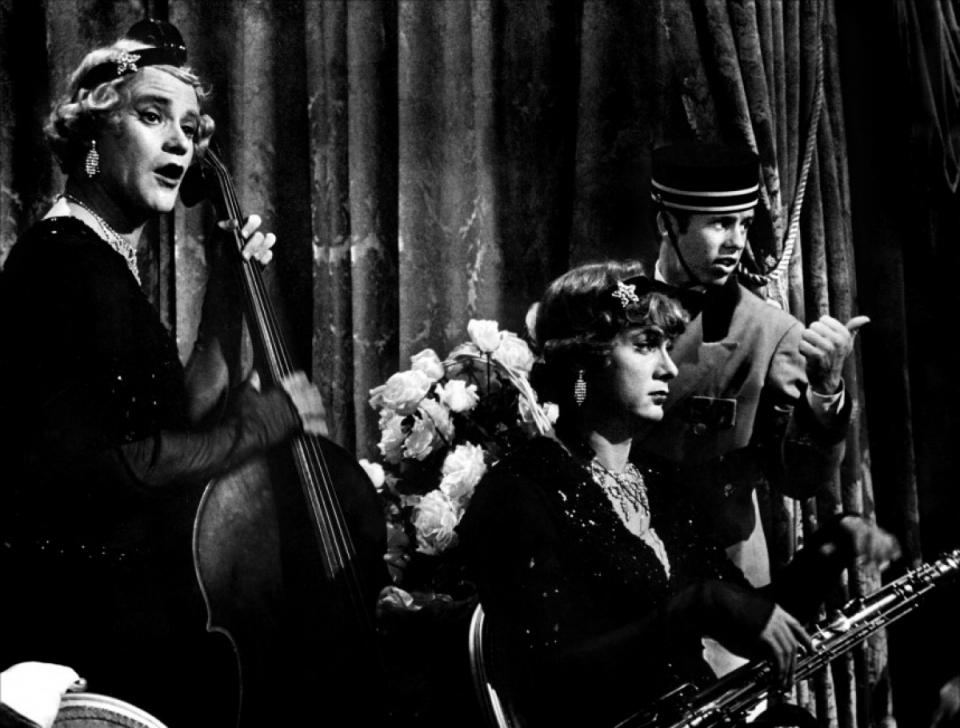 кадры из фильма В джазе только девушки Джек Леммон, Тони Кертис,