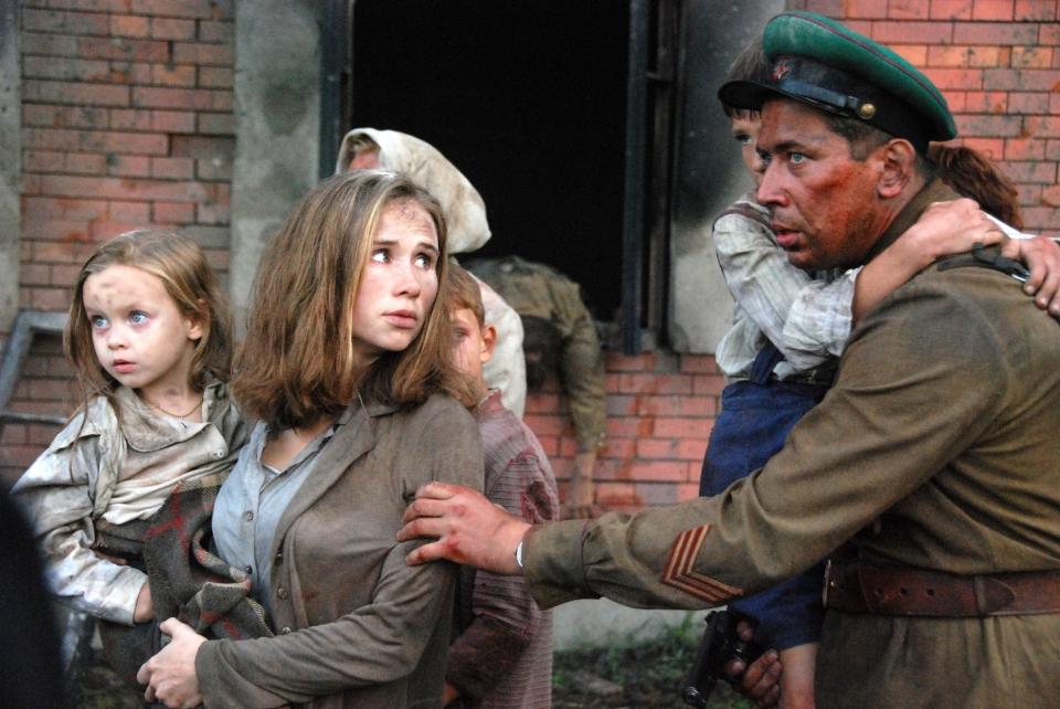 кадры из фильма Брестская крепость Яна Есипович, Андрей Мерзликин,