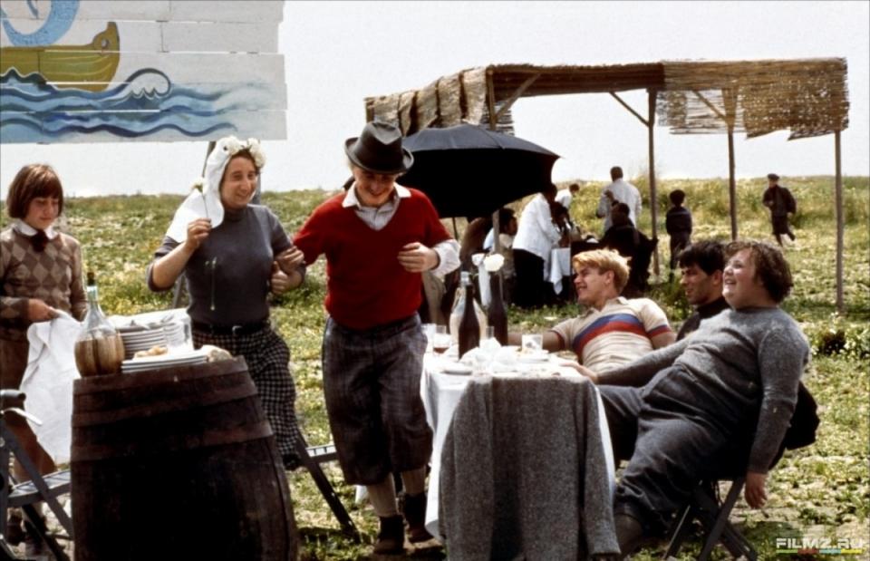 кадры из фильма Амаркорд