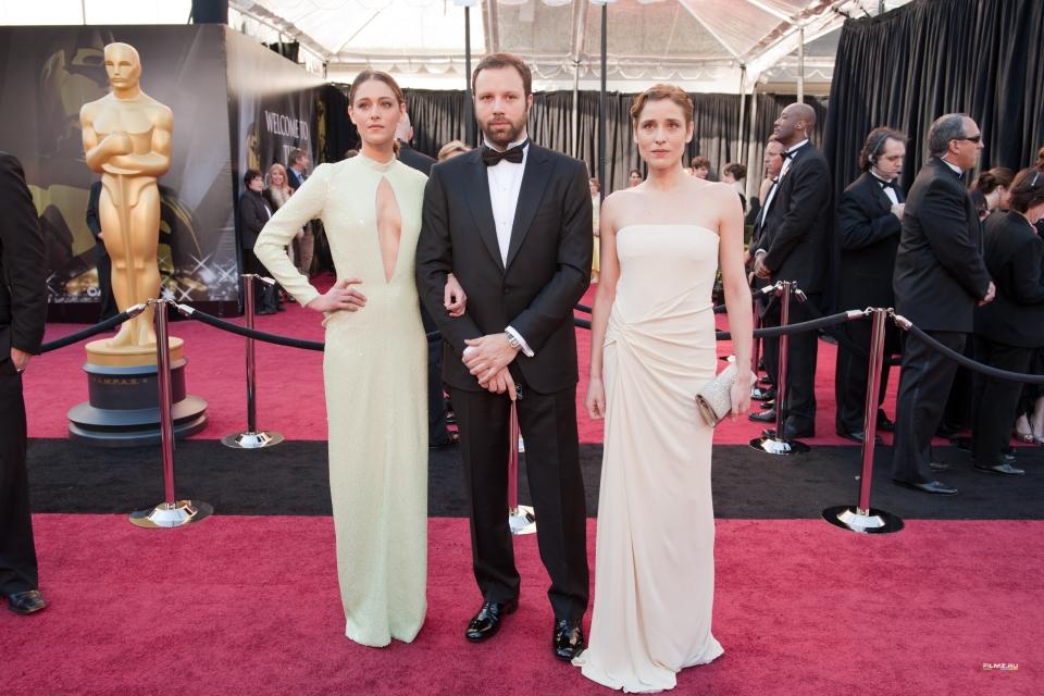 звездная дорожка Оскар 2011 Йоргос Лантимос, Аггелики Папулиа,