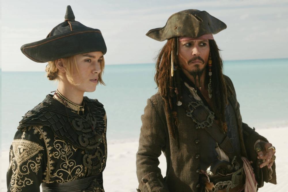 кадры из фильма Пираты Карибского моря: На краю света Кира Найтли, Джонни Депп,