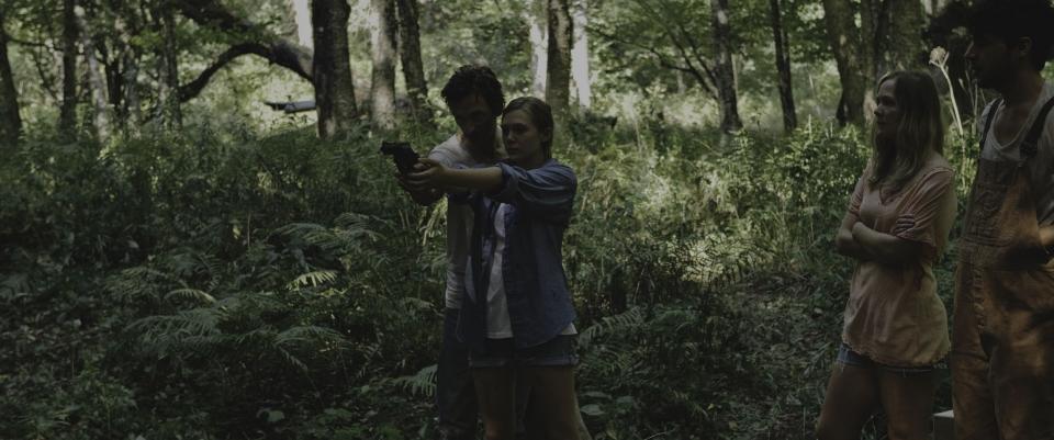 кадры из фильма Марта Марси Мэй Марлен Джон Хоукс, Элизабет Олсен,
