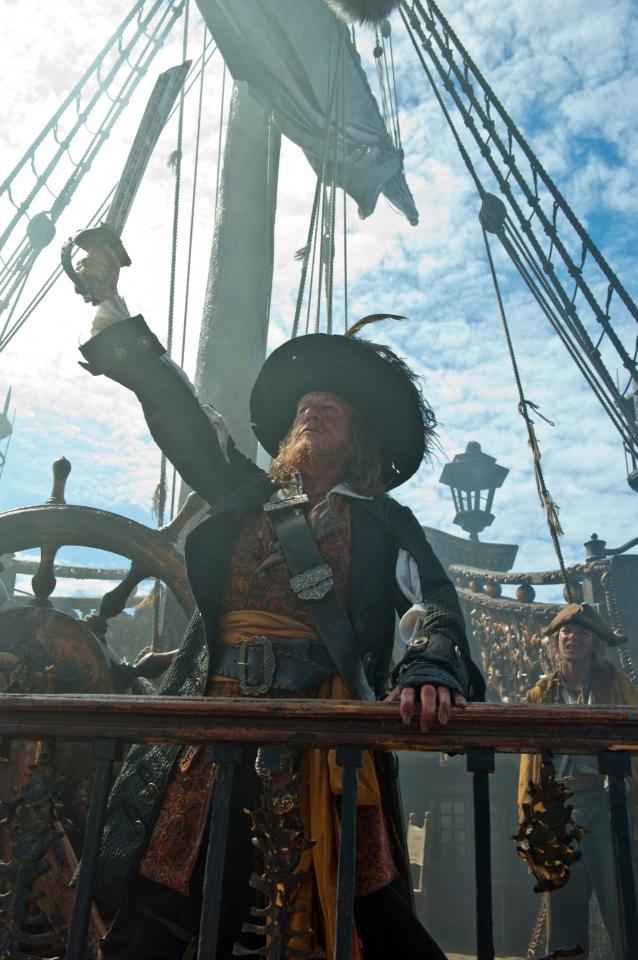 кадры из фильма Пираты Карибского моря: На странных берегах Джеффри Раш, Робби Кэй,