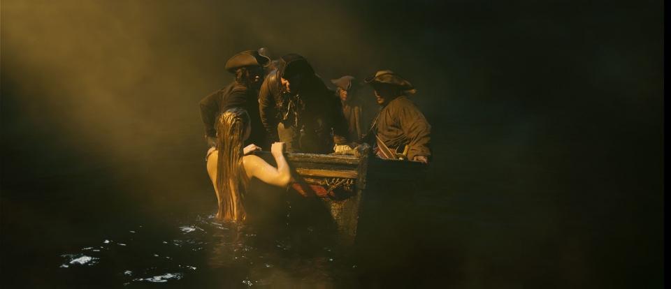 кадры из фильма Пираты Карибского моря: На странных берегах Джемма Уорд, Стивен Грэм,