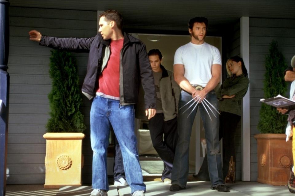 со съемок Люди Икс 2 Аарон Стэнфорд, Анна Пакуин, Хью Джекмен, Брайан Сингер,