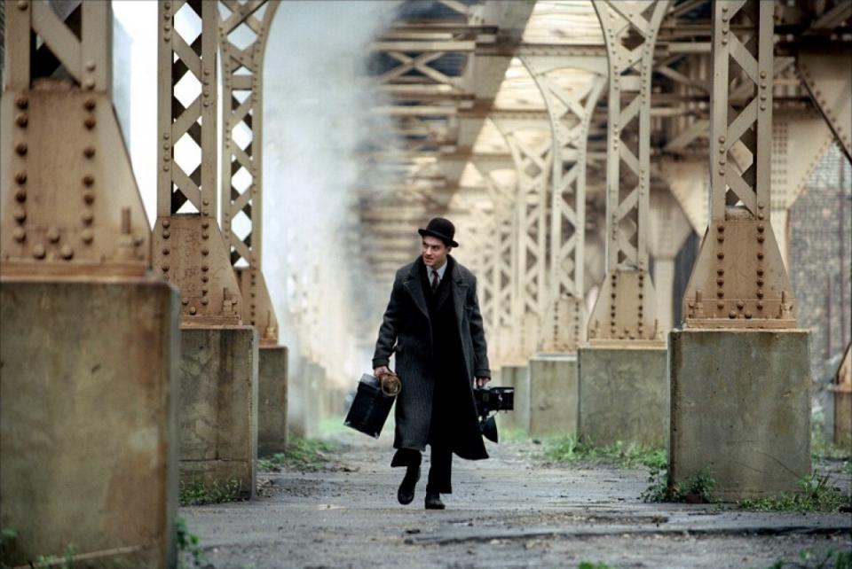 кадры из фильма Проклятый путь Джуд Лоу,