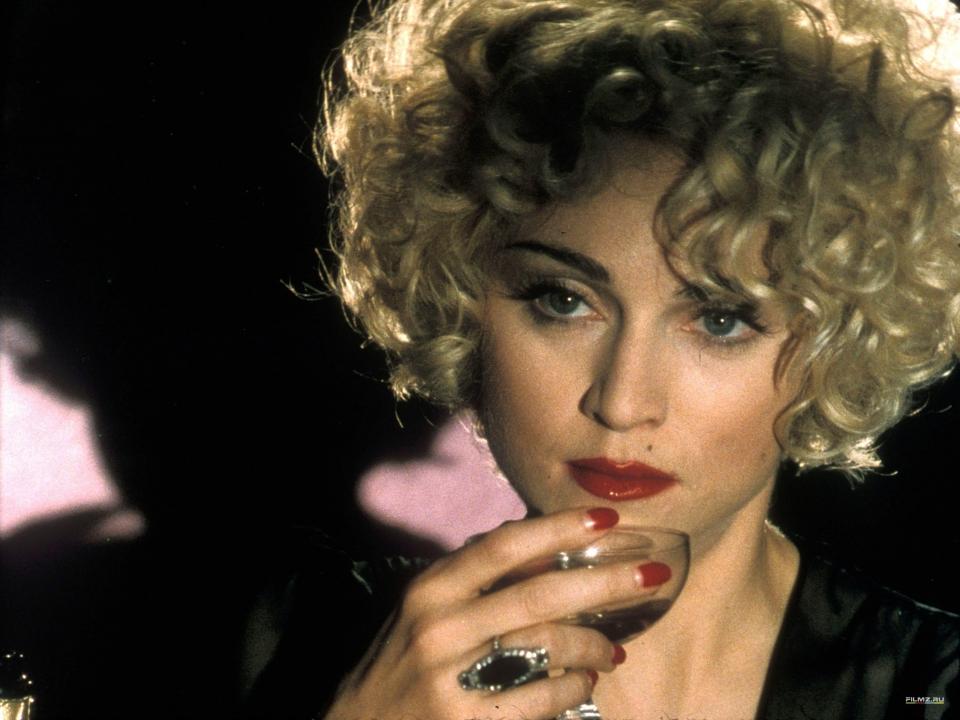 кадры из фильма Дик Трейси  Мадонна,