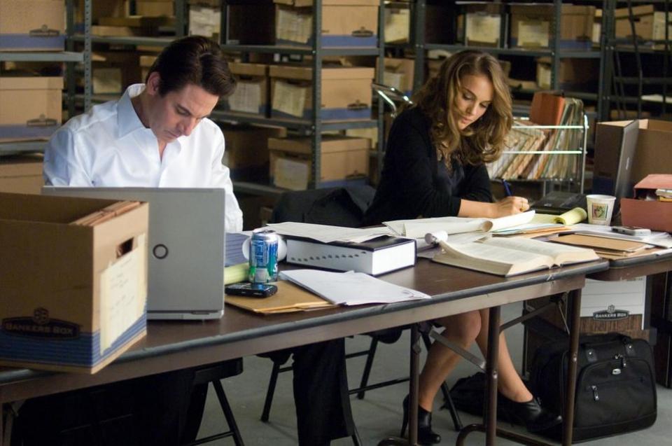 кадры из фильма Любовь и прочие обстоятельства Скотт Коэн, Натали Портман,