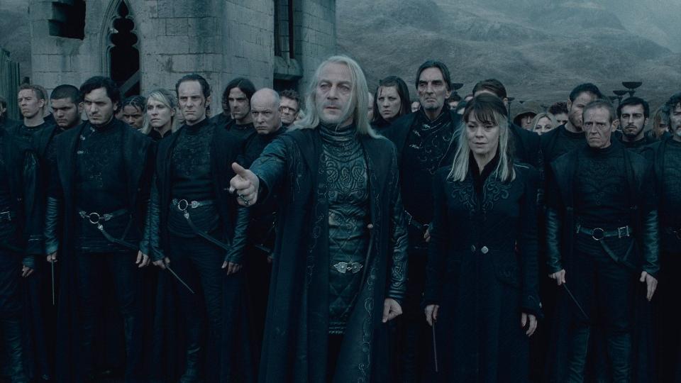кадры из фильма Гарри Поттер и Дары Смерти: Часть вторая Джейсон Айзекс, Хелен МакКрори,