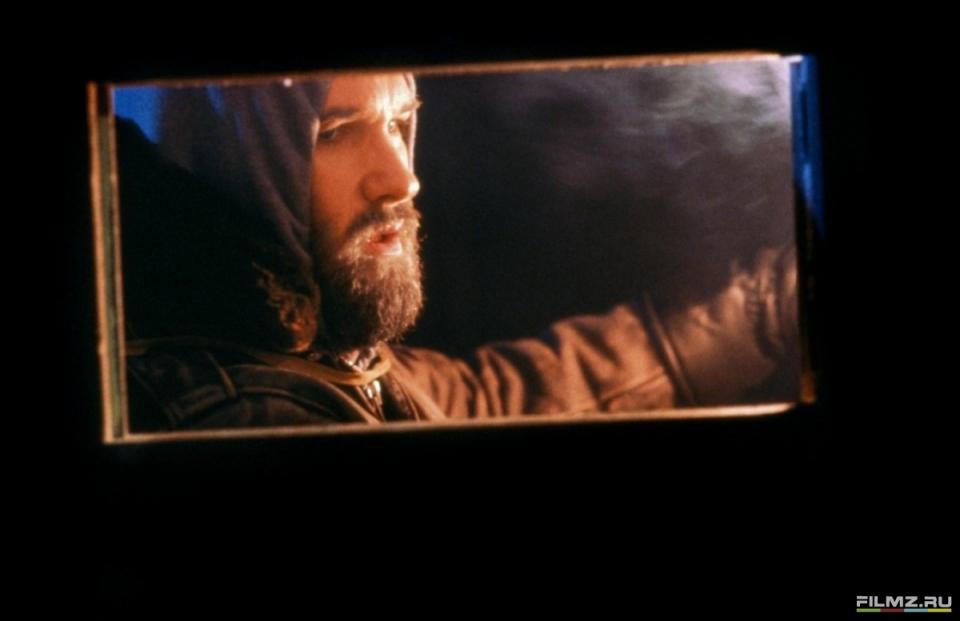 кадры из фильма Нечто Курт Расселл,