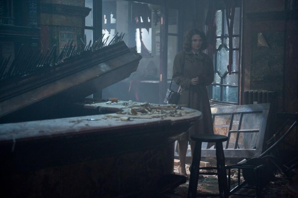 кадры из фильма Первый Мститель Хэйли Атуэлл,