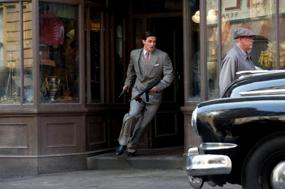 кадры из фильма Первый Мститель Ричард Армитидж,