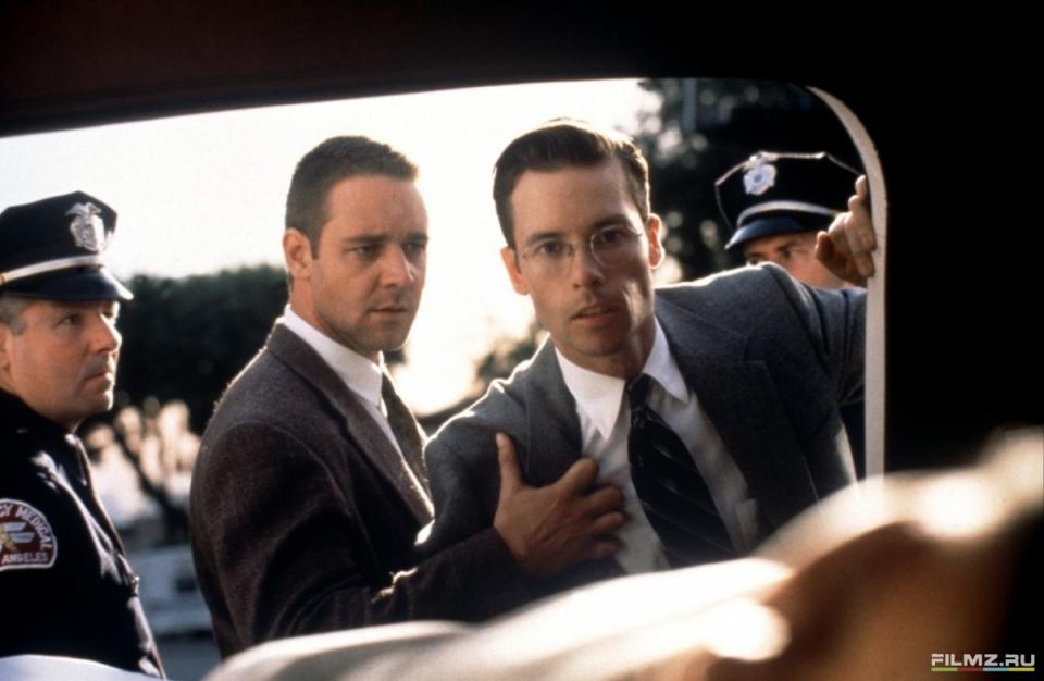 кадры из фильма Секреты Лос-Анджелеса Гай Пирс, Рассел Кроу,