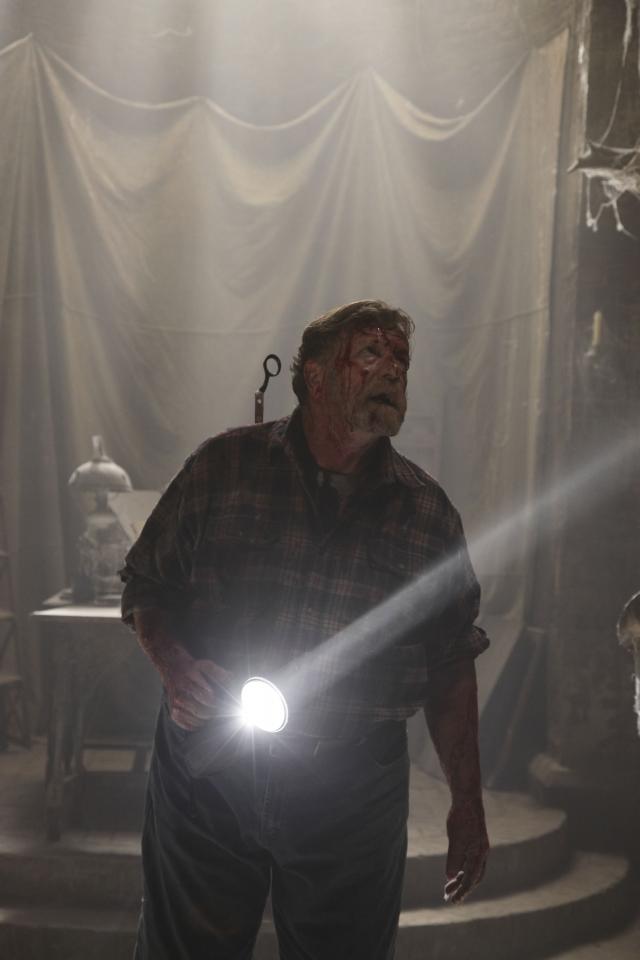кадры из фильма Не бойся темноты