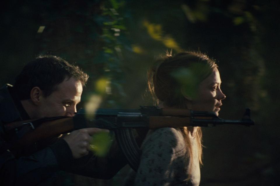 кадры из фильма В краю крови и меда