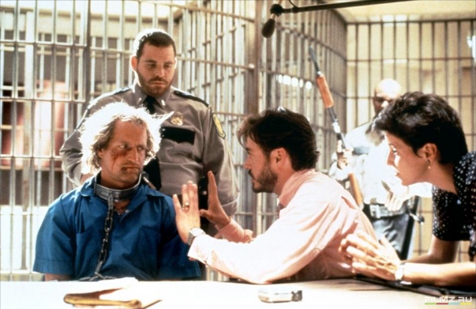 кадры из фильма Прирожденные убийцы Роберт Дауни-мл., Вуди Харрельсон,