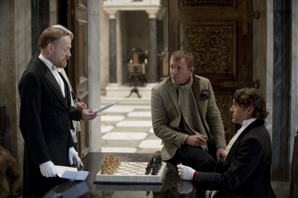 со съемок Шерлок Холмс: Игра теней Джаред Харрис, Гай Ричи, Роберт Дауни-мл.,