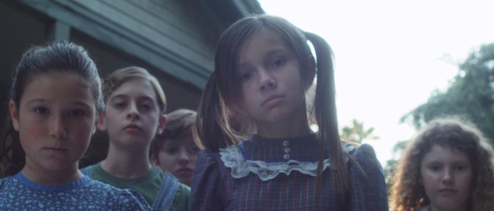 кадры из фильма Дети кукурузы: Генезис