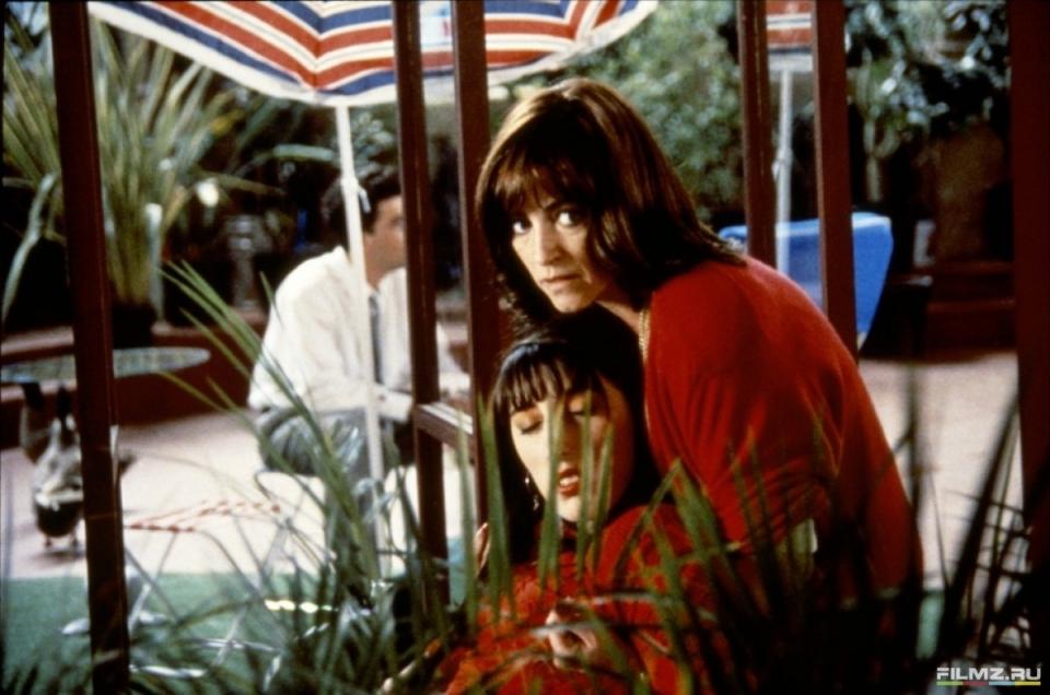 кадры из фильма Женщины на грани нервного срыва Кармен Маура, Рози де Пальма,