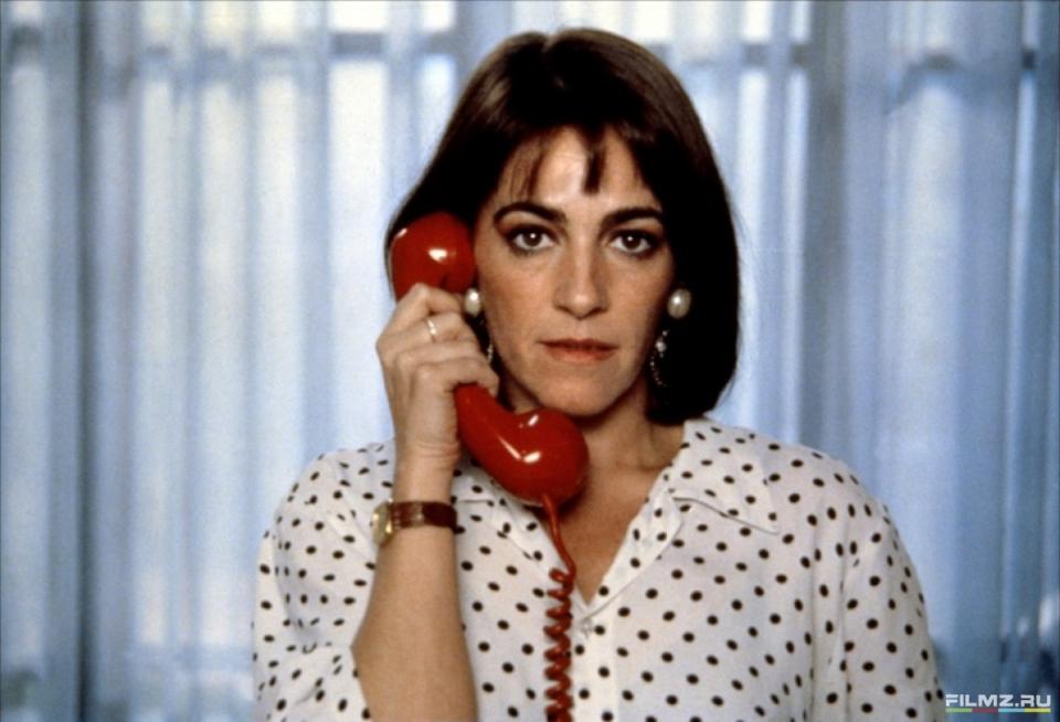 кадры из фильма Женщины на грани нервного срыва Кармен Маура,