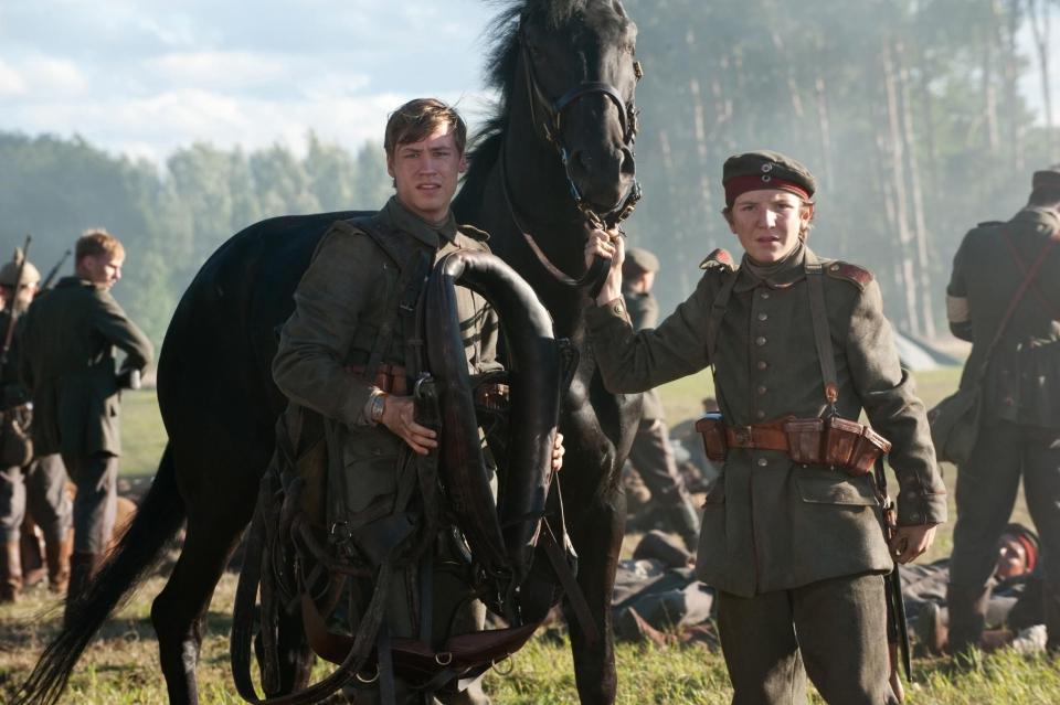 кадры из фильма Боевой конь Давид Кросс,