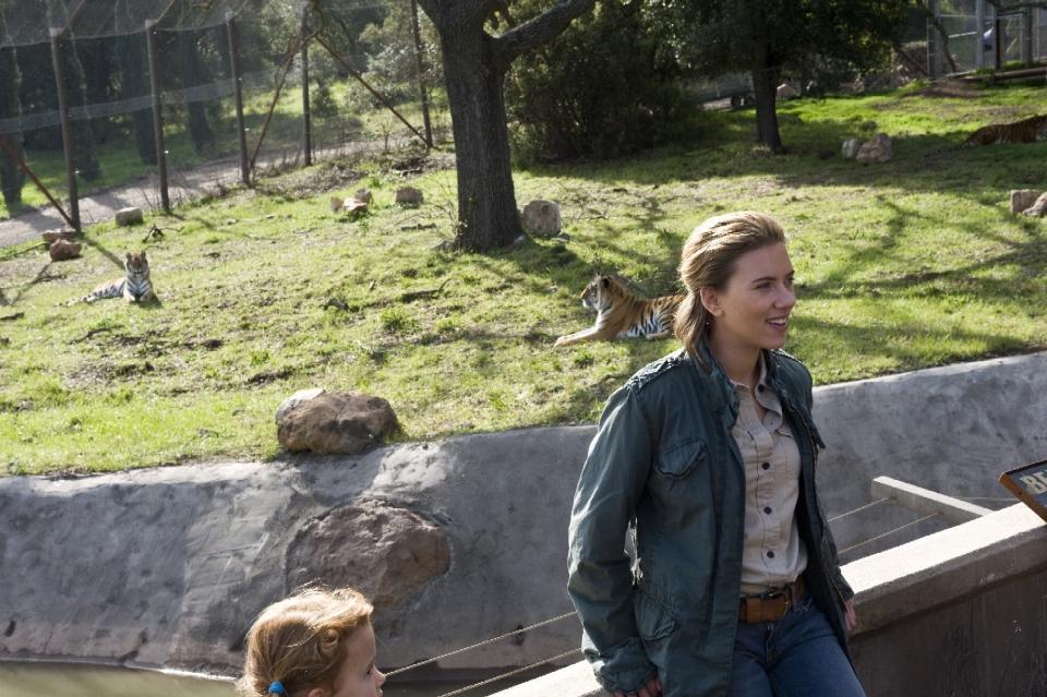 кадры из фильма Мы купили зоопарк Скарлетт Йоханссон,