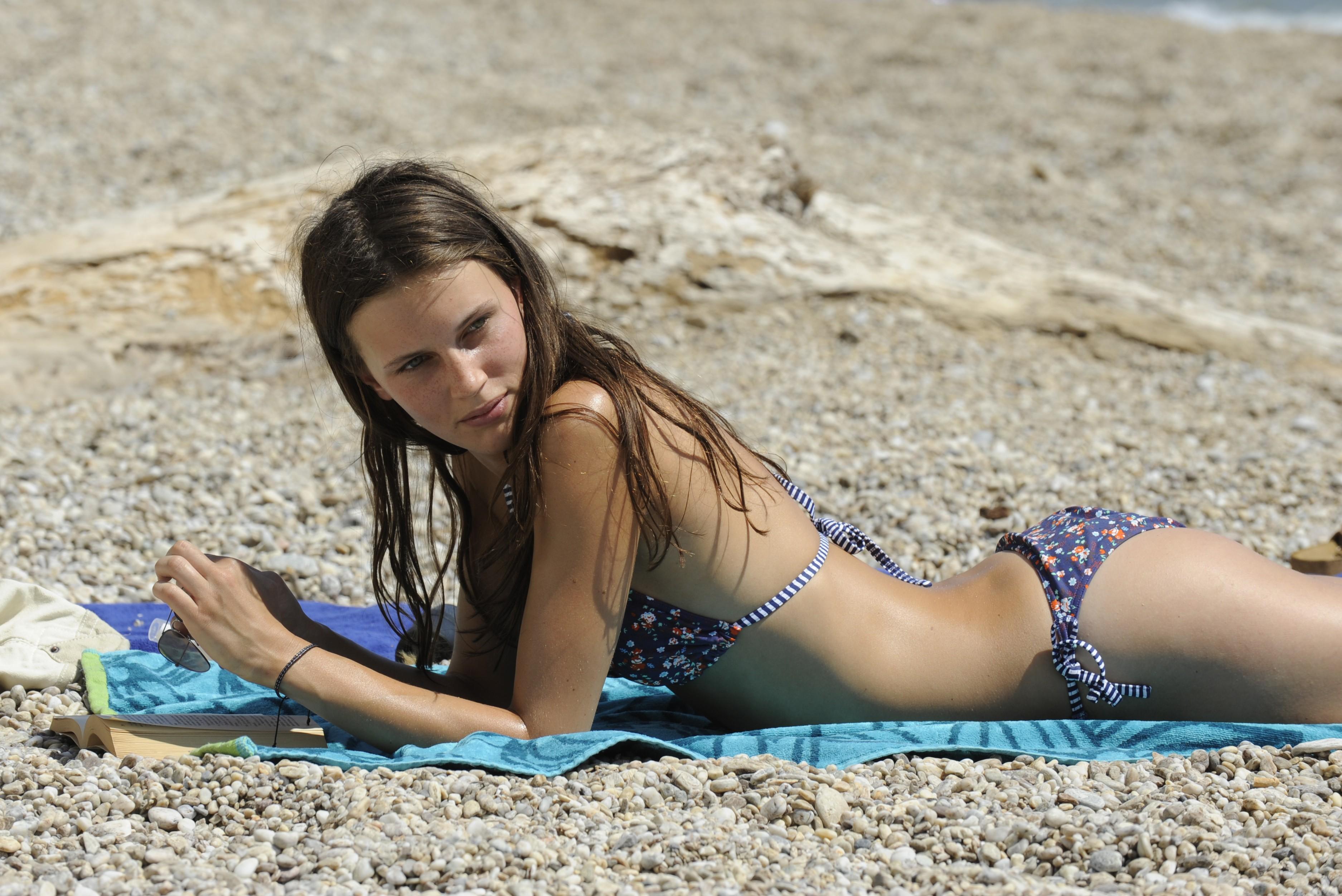 Смотреть молодые девочки писают 9 фотография