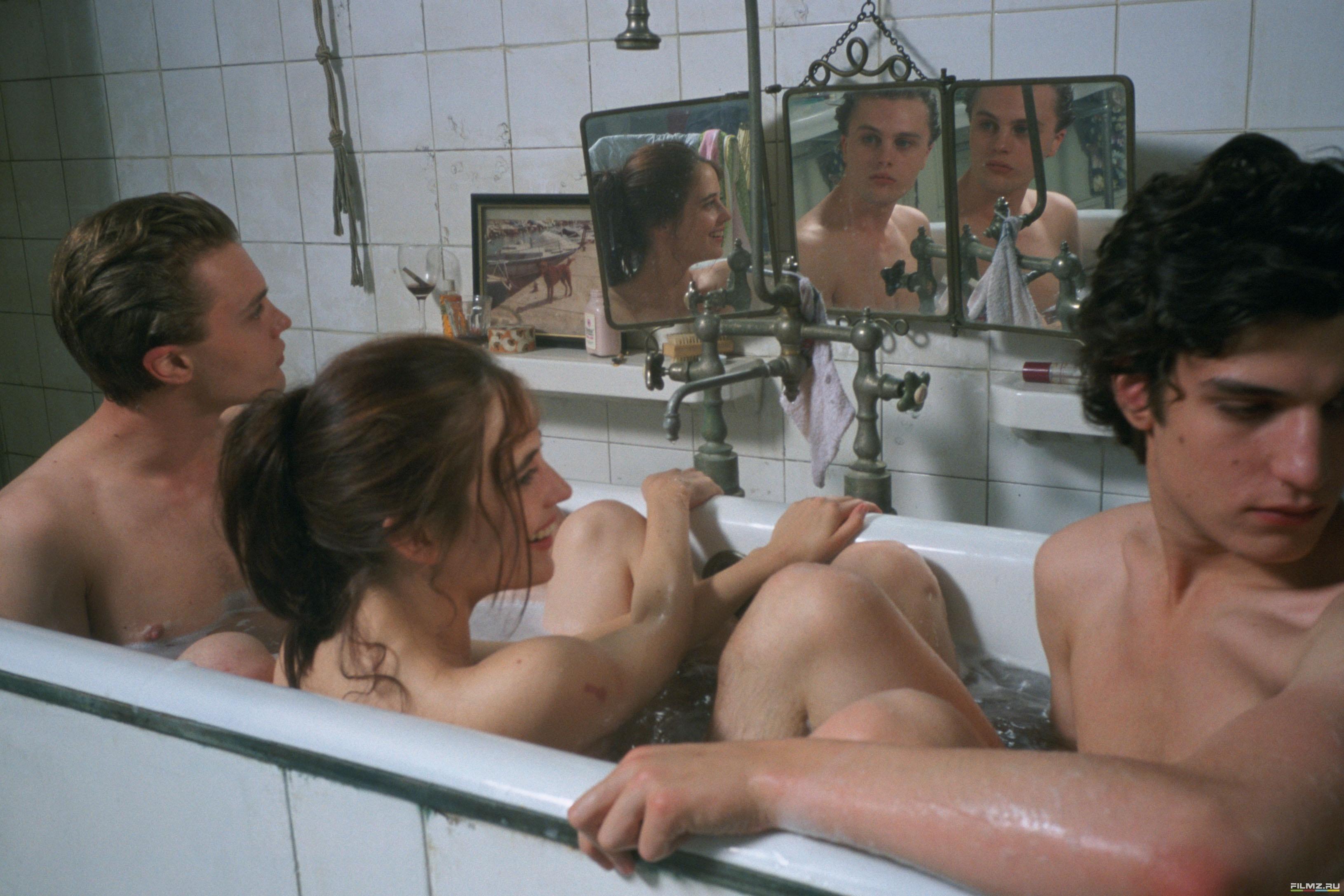 Скачать эротические фильмы бесстыдницы 2006 года