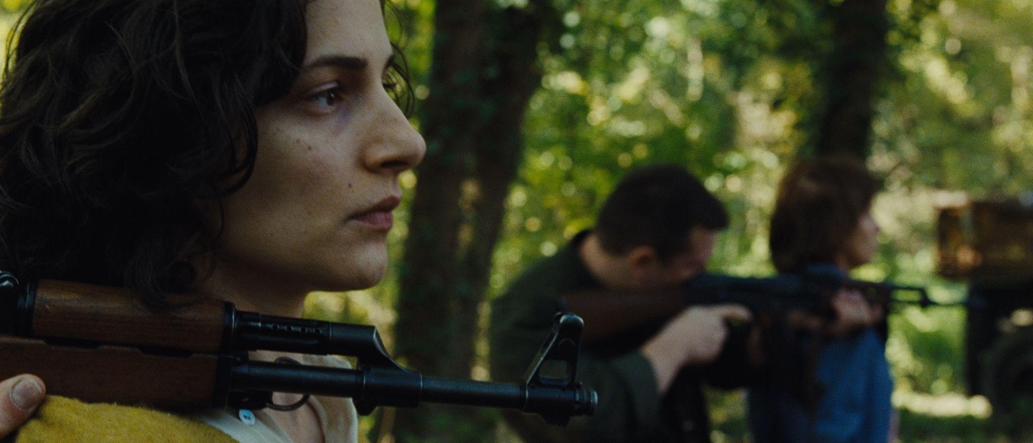 кадры из фильма В краю крови и меда Жана Марьянович,