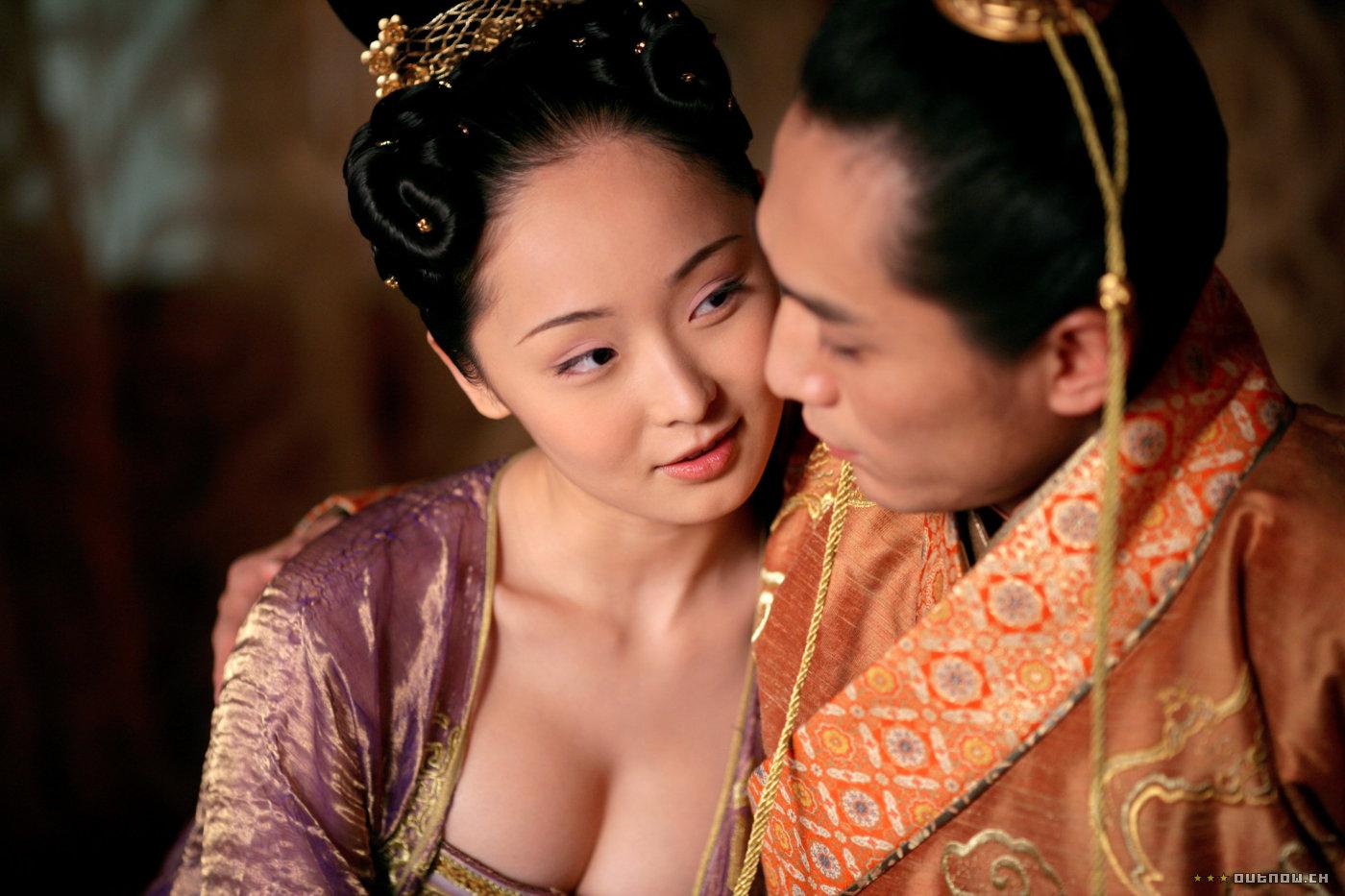 кадры из фильма Проклятие золотого цветка