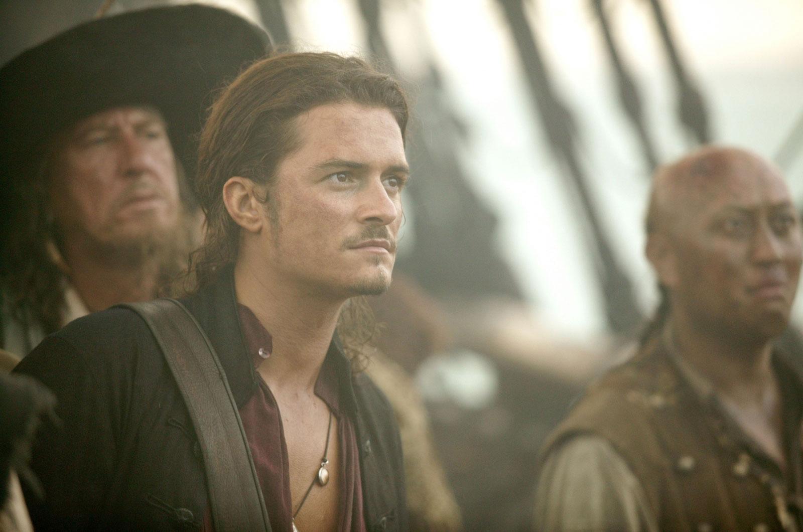 кадры из фильма Пираты Карибского моря: На краю света Джеффри Раш, Орландо Блум,
