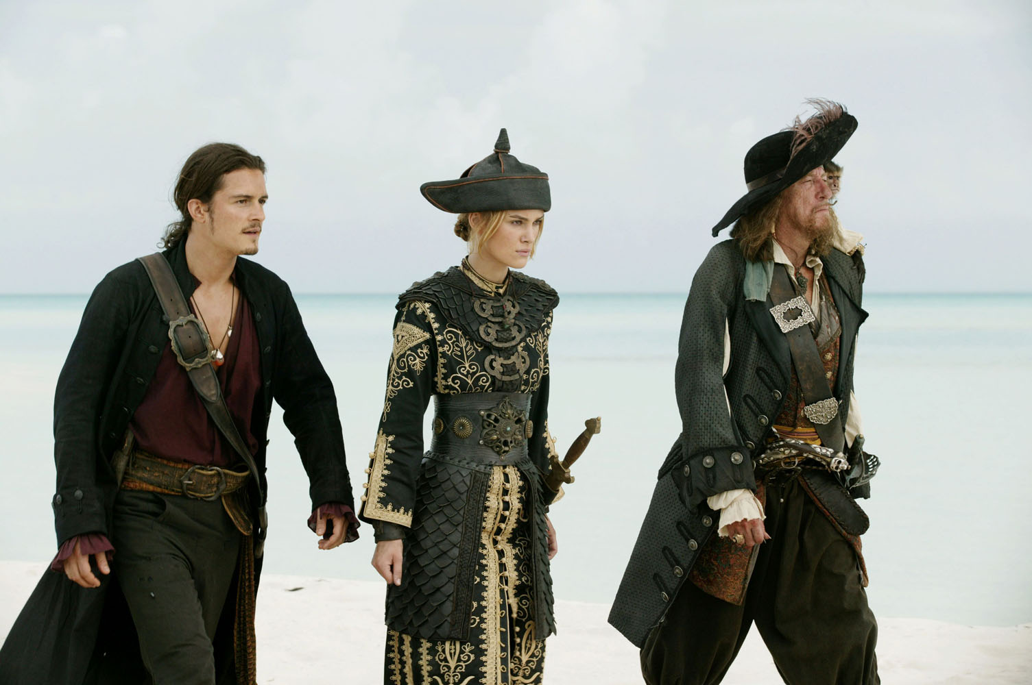 кадры из фильма Пираты Карибского моря: На краю света Джеффри Раш, Орландо Блум, Кира Найтли,