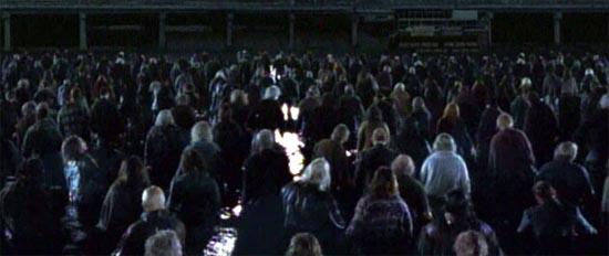 кадры из фильма Земля мертвых