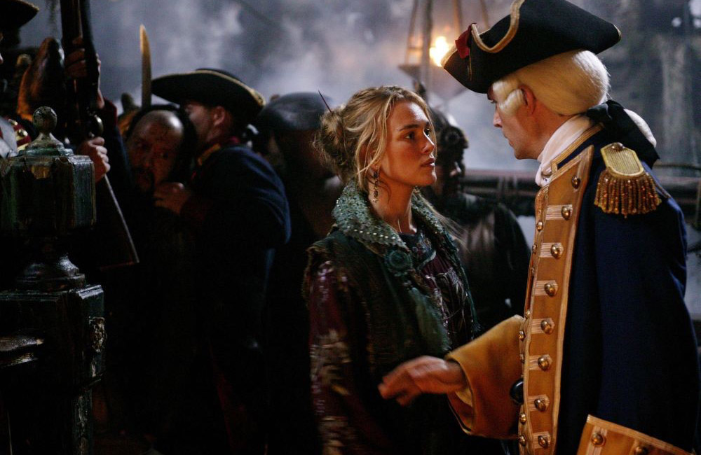 кадры из фильма Пираты Карибского моря: На краю света Кира Найтли, Том Холландер,