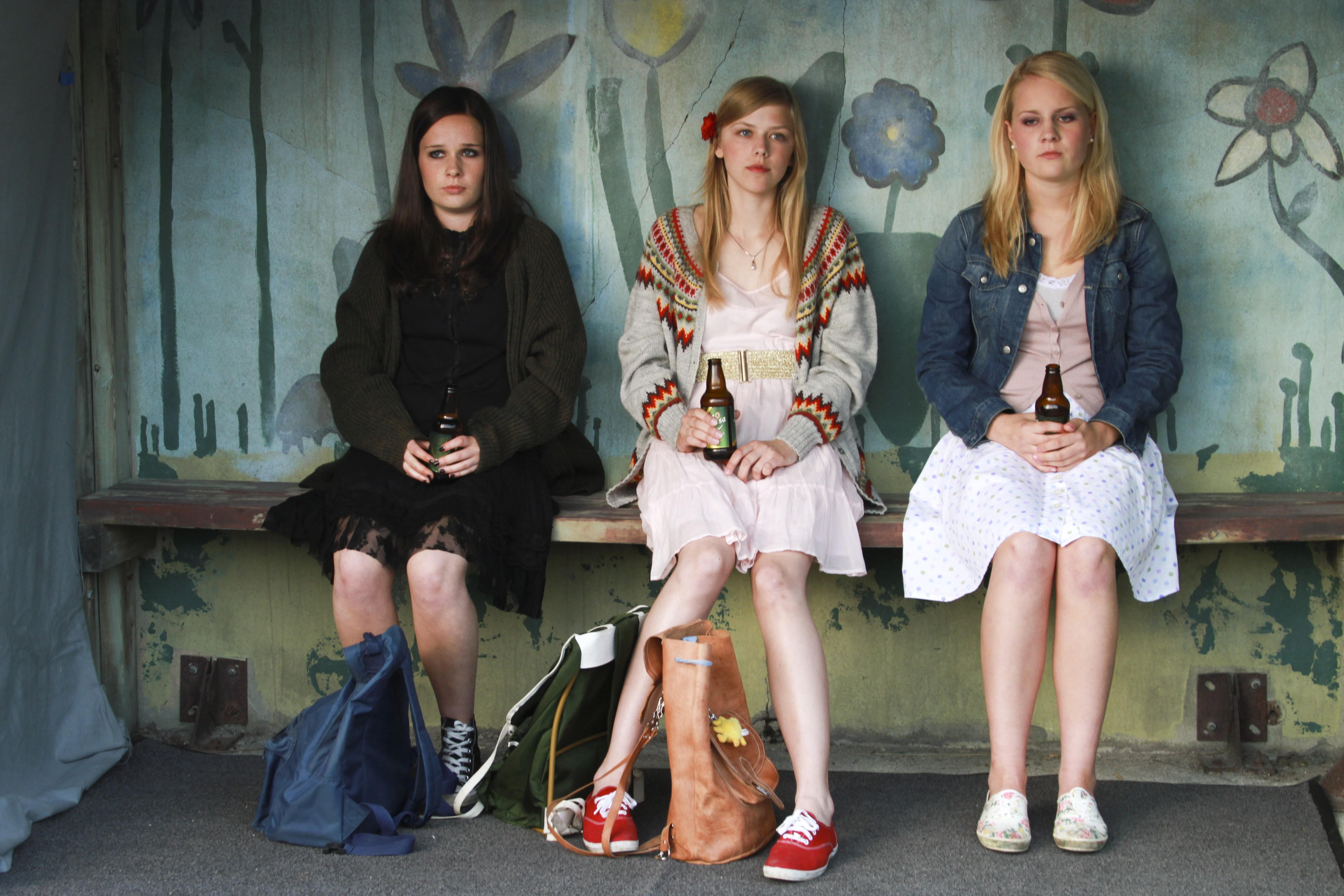 Мастурбация подростков смотреть