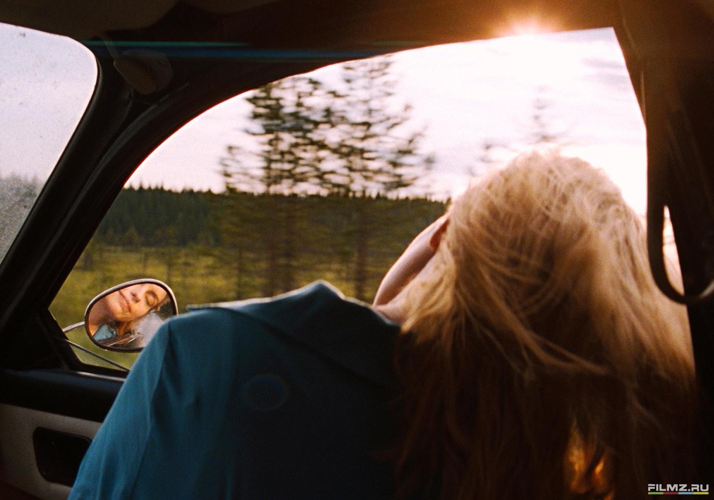 кадры из фильма Окно в лето Нина Хосс,