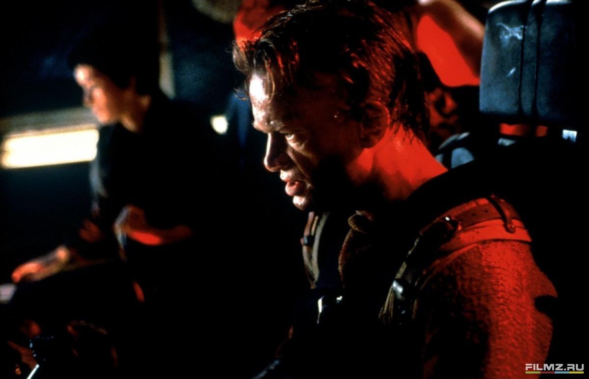кадры из фильма Чужой 4: Воскрешение Доминик Пинон,