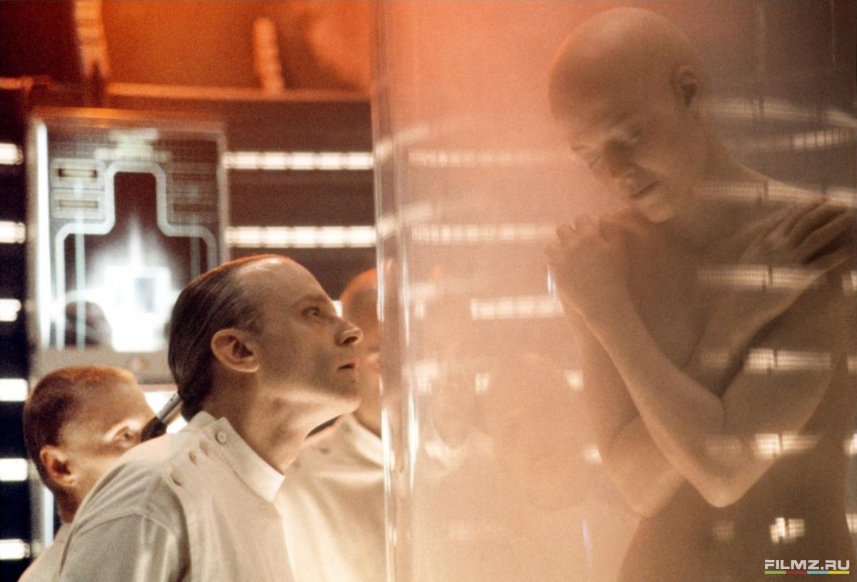 кадры из фильма Чужой 4: Воскрешение Брэд Дуриф,