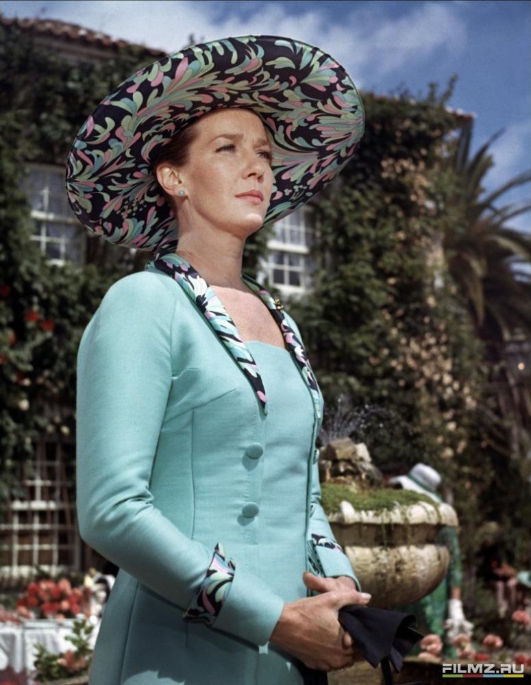 кадры из фильма На секретной службе Её Величества Лоис Максвелл,